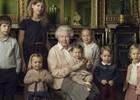 Фото королевы с внуками растрогало мир