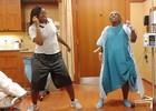 Беременные танцуют во время схваток